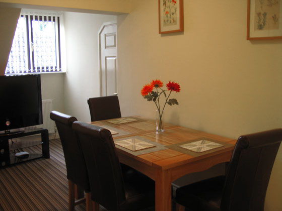Orchard House Self Catering Dining Area